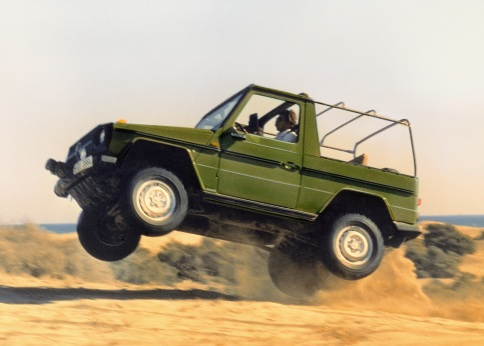 In Aktion: Mercedes-Benz G der Baureihe 460, die 1979 vorgestellt wurde. In action: Mercedes-Benz G from the 460 series, introduced in 1979.