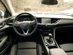 Asiento conductor y salìcadero del OPEL Insignia Grand Sport 1.5 Turbo 165 CV