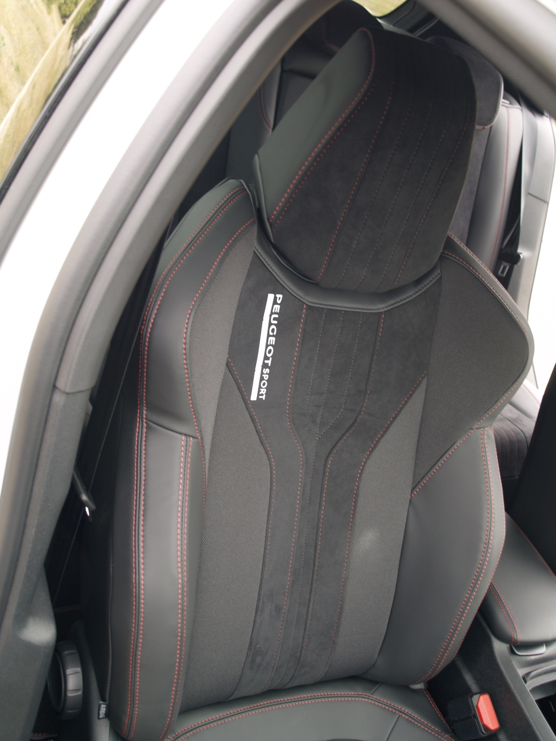 Asiento copiloto Peugeot 308 GTI PRUEBA INFOBLOGMOTOR.COM