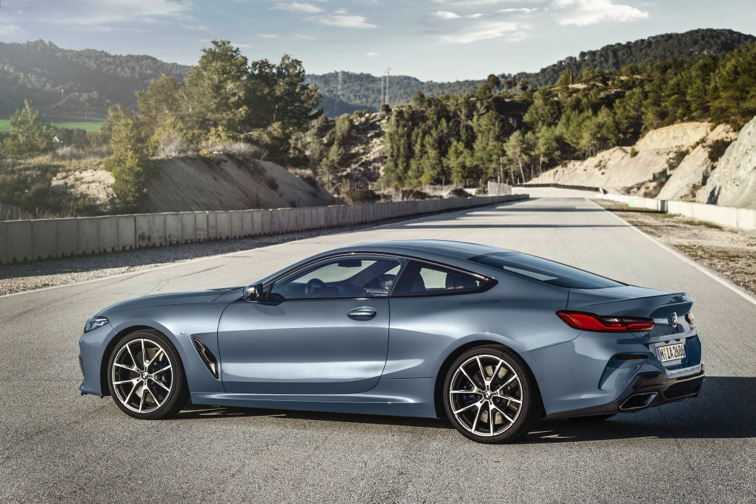 P90306600_highRes_the-all-new-bmw-8-se.jpg