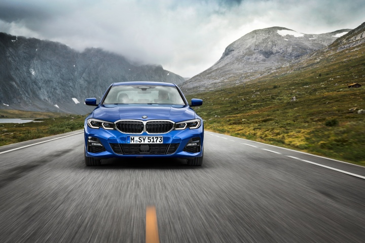 P90323662_highRes_the-all-new-bmw-3-se.jpg