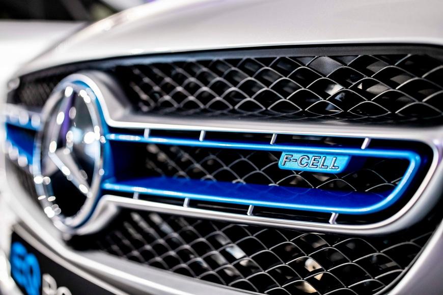 Mercedes-Benz GLC F-CELL 2018 infoblogmotor.com