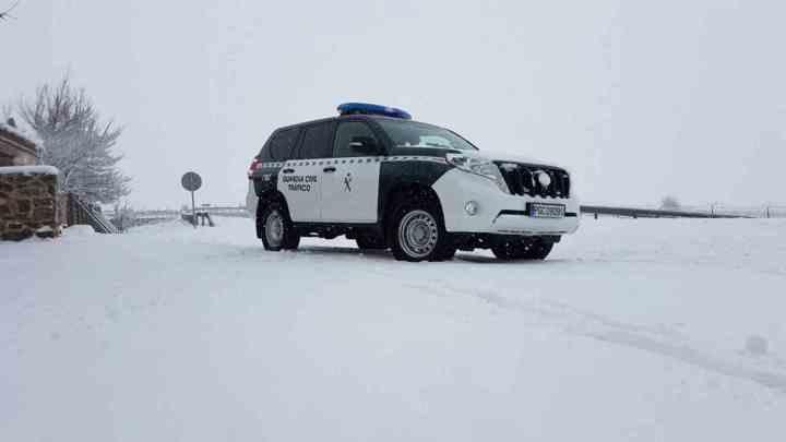 el-temporal-de-nieve-provoca-numerosos-problemas-en-las-carreteras-espanolas-2