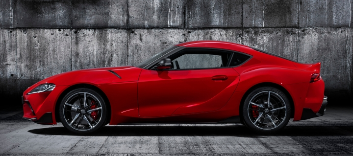 toyota-supra-red-studio-004-410783.jpg