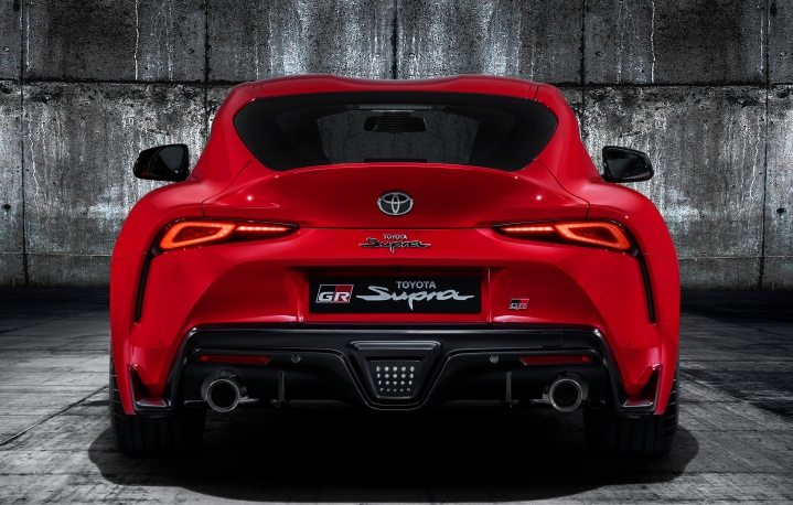 toyota-supra-red-studio-005-859090.jpg