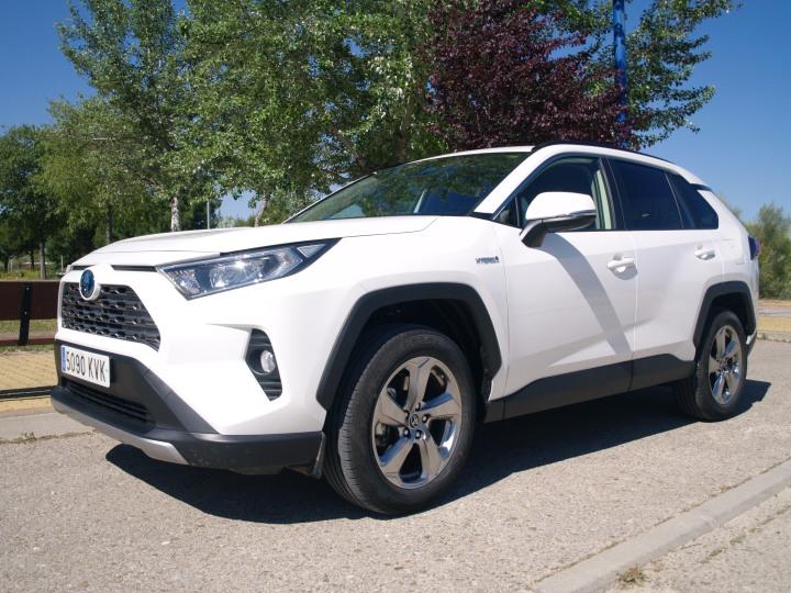 Toyota RAV4 Hybrid 2019 infoblogmotor.com